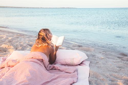 つらい「孤独感」を解消するには?寂しさを克服する方法を紹介のサムネイル画像